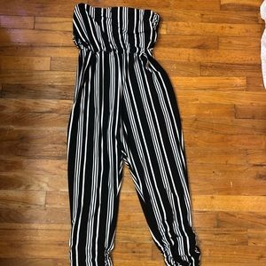 Stripped strapless jumpsuit